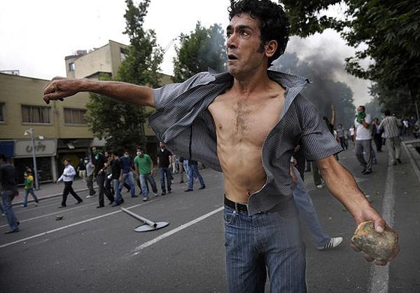 http://tarnama.persiangig.com/image/Tehran-3-88/3.jpg